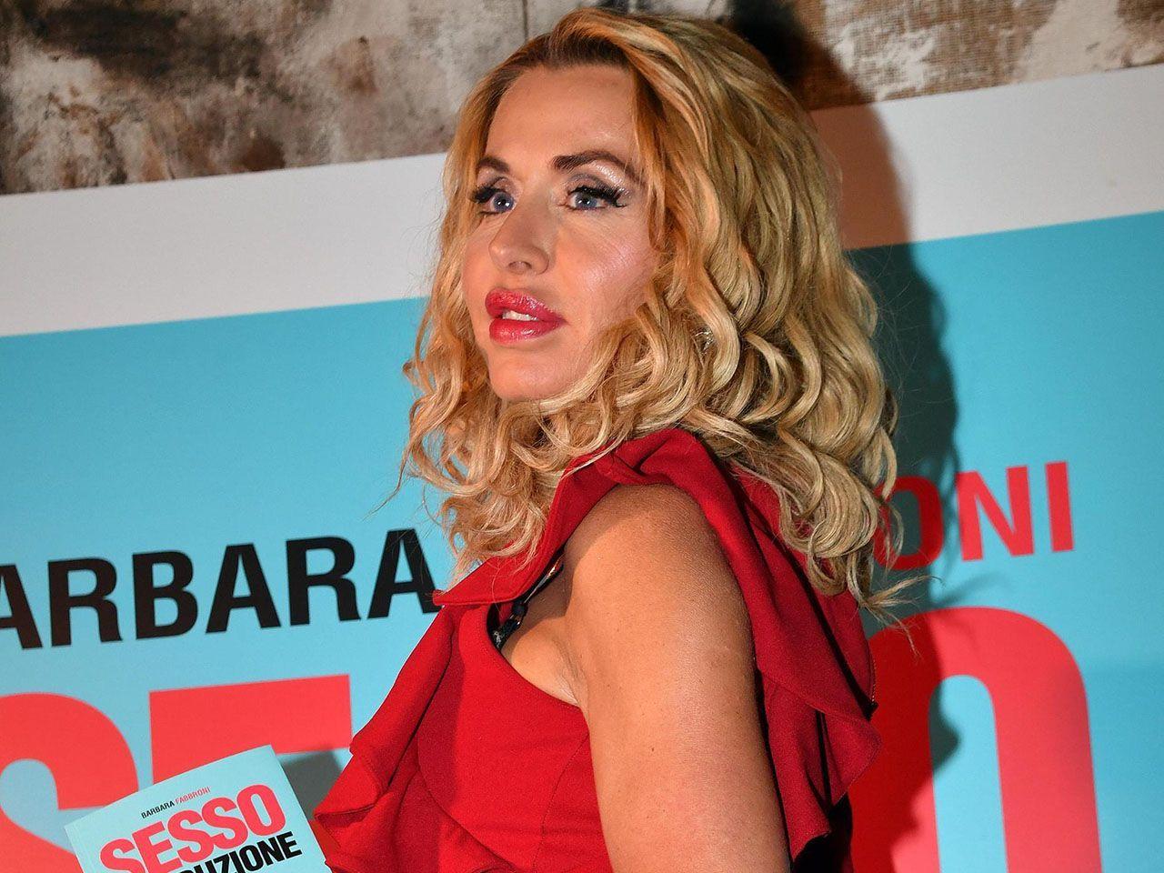 Il padre di Patrick Baldassarri: 'Valeria Marini è un'attrice, mio figlio non deve cascarci'