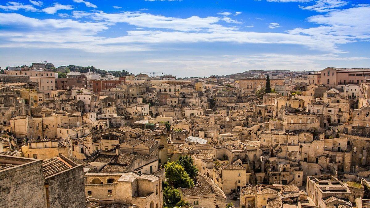 Allarme a Matera: stop all'acqua potabile, è contaminata da batteri fecali
