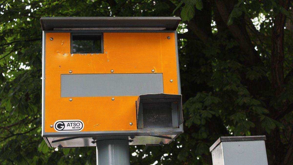 Bruxelles: multato dall'autovelox a 914 km/h: è un errore ma dovrà pagare il ricorso