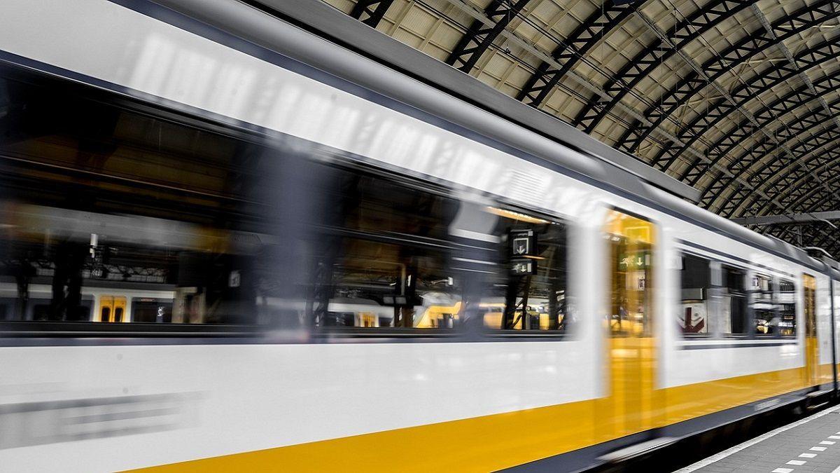 Buenos Aires: 20enne rimane con la testa incastrata tra il treno e la banchina