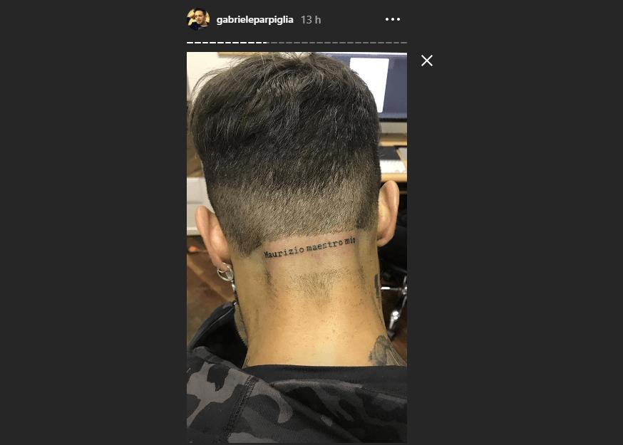 Fabrizio Corona e il tatuaggio dedicato a Maurizio Costanzo: 'Maestro mio'