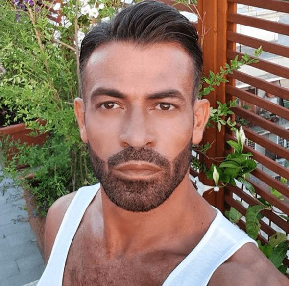 Gianni Sperti, l'opinionista di 'Uomini e Donne' completamente nudo su Instagram
