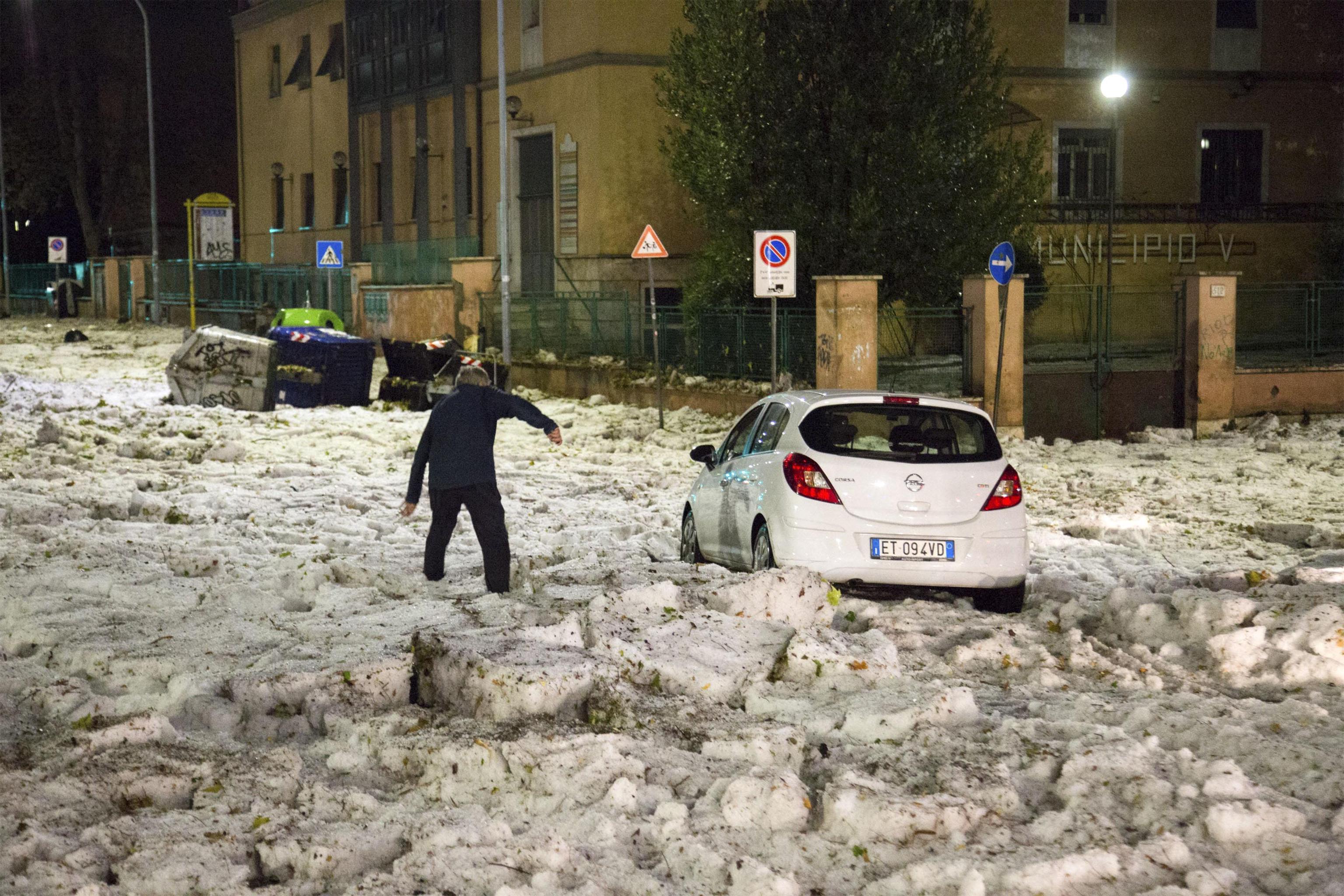 Meteo: allerta in Campania, scuole chiuse in diversi comuni