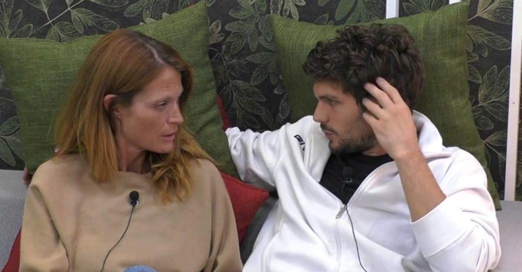 GF VIP 3, Jane Alexander in crisi: troppo vicina a Elia Fongaro, ma fuori c'è il fidanzato