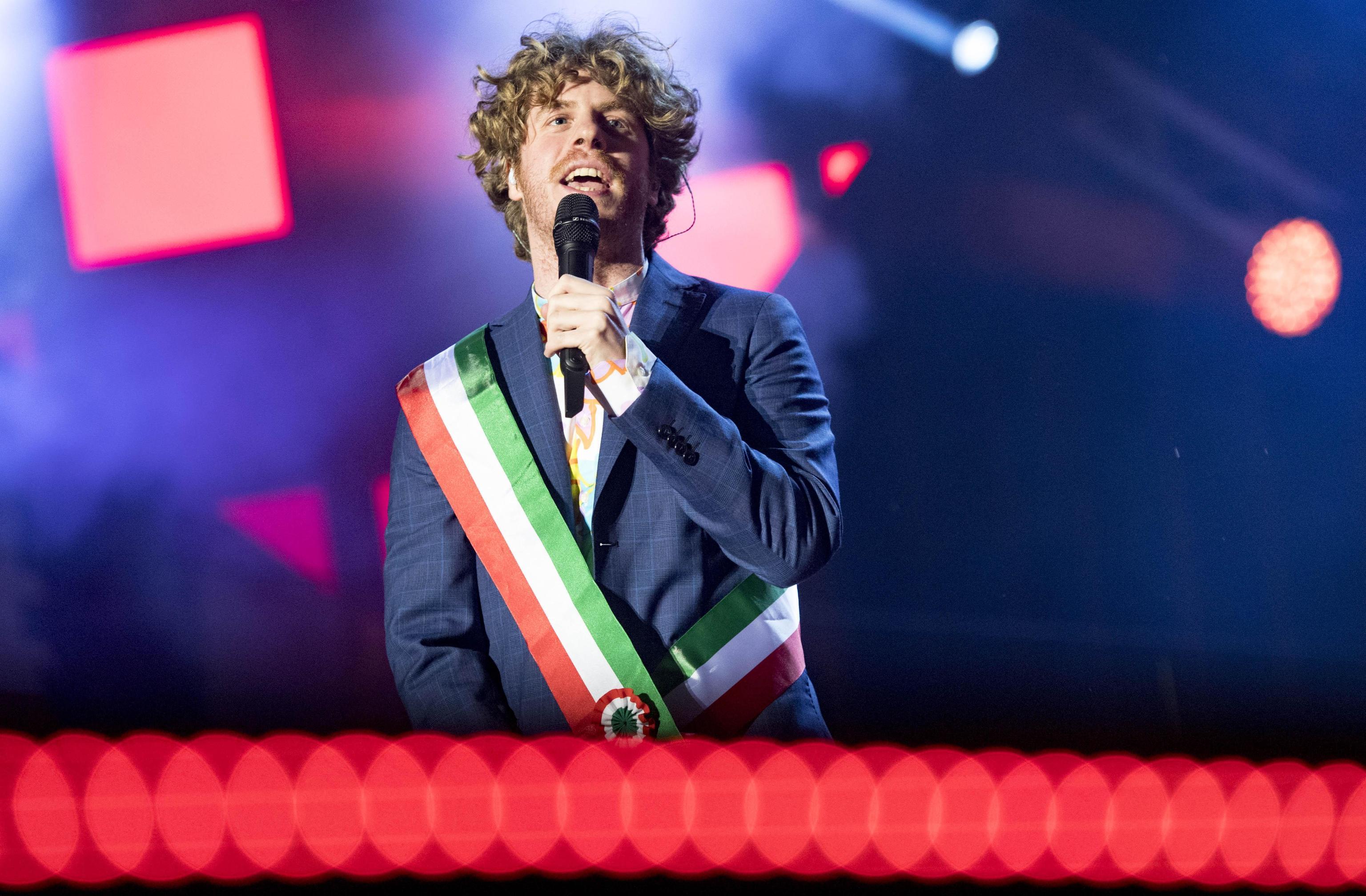 X Factor, Lodo Guenzi massacrato sui social dai fan: 'Incorente e ipocrita'