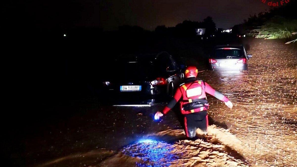 Maltempo in Sud Italia: morta una donna e il figlio travolti dal temporale