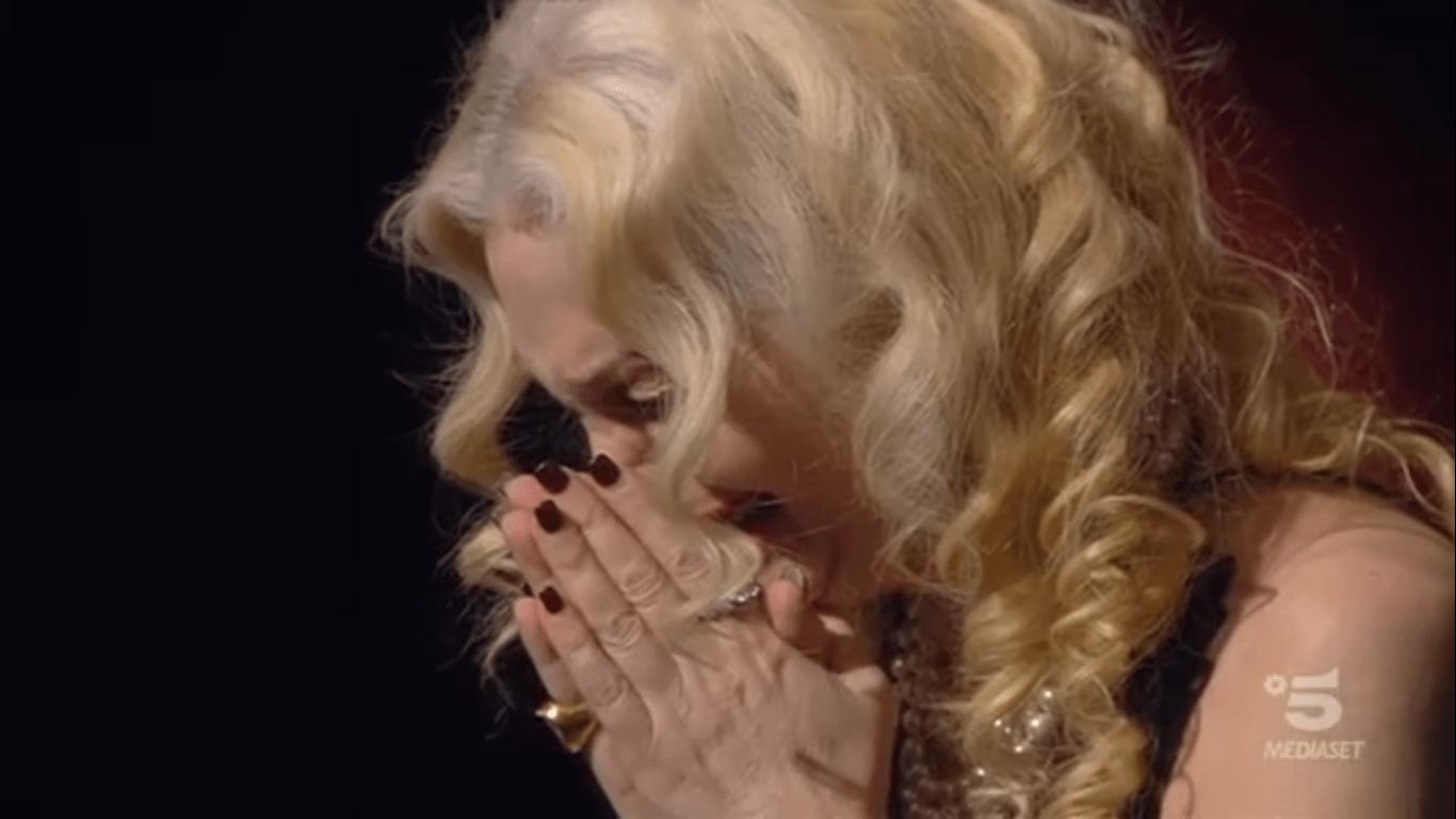 Gf Vip 3, la Marchesa D'Aragona in lacrime per la figlia: 'Dobbiamo sempre combattere'