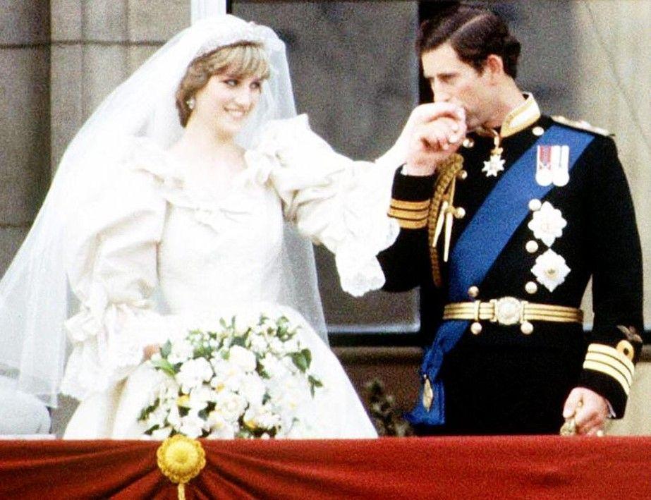 Principe Carlo: 'Il matrimonio con Diana è stato uno sbaglio con Camilla sono felice'