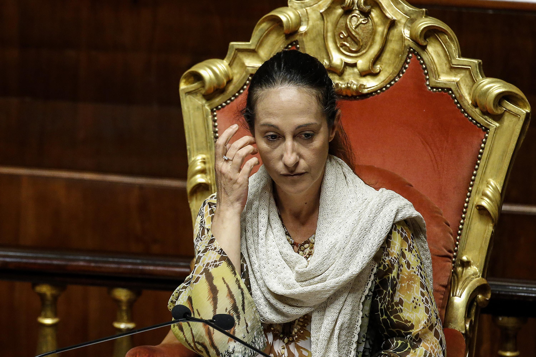 La polemica: 'La madre di Paola Taverna in una casa popolare senza averne titolo'