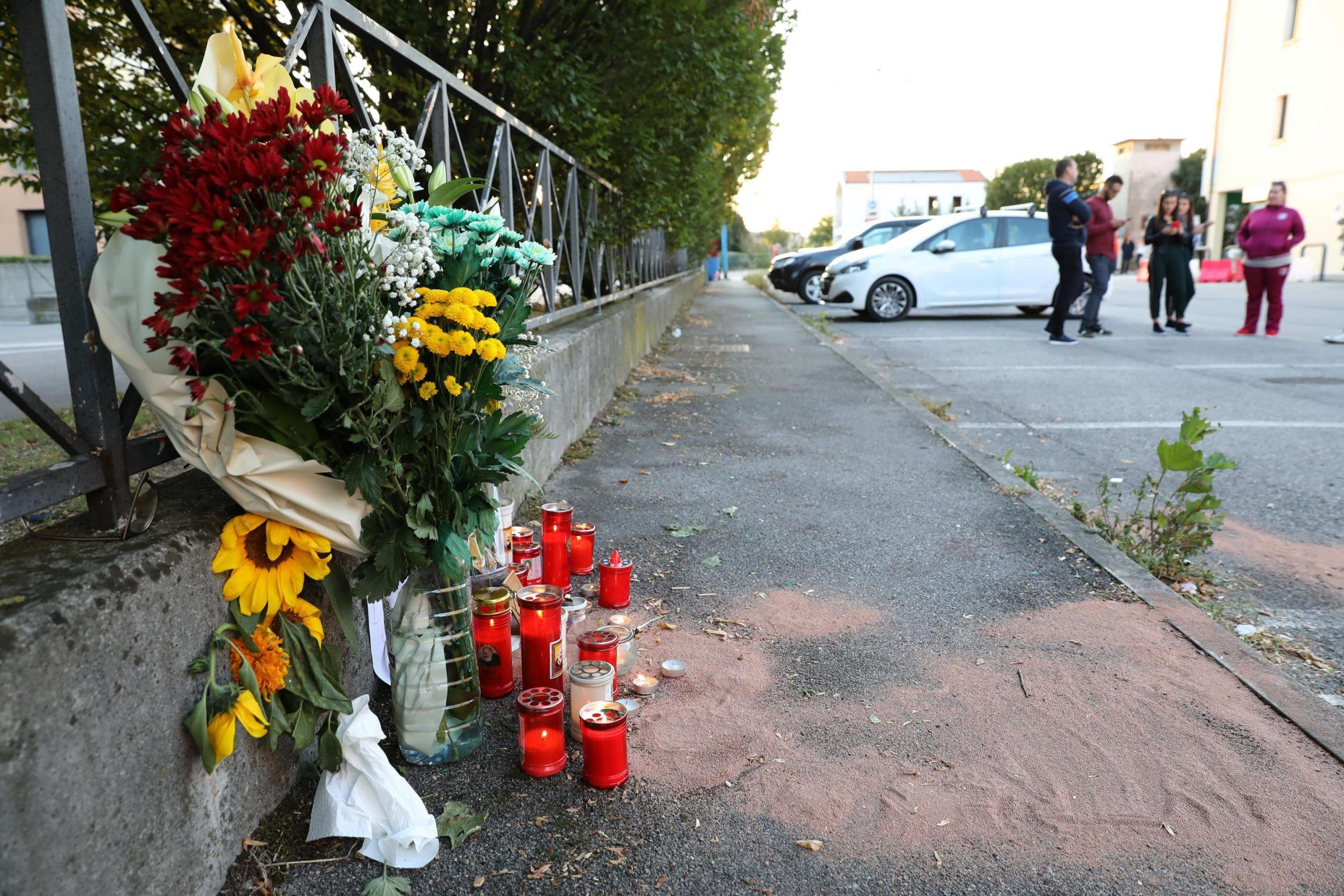 Treviso, strage a un addio al celibato: muore accoltellato un 21enne, 7 i feriti