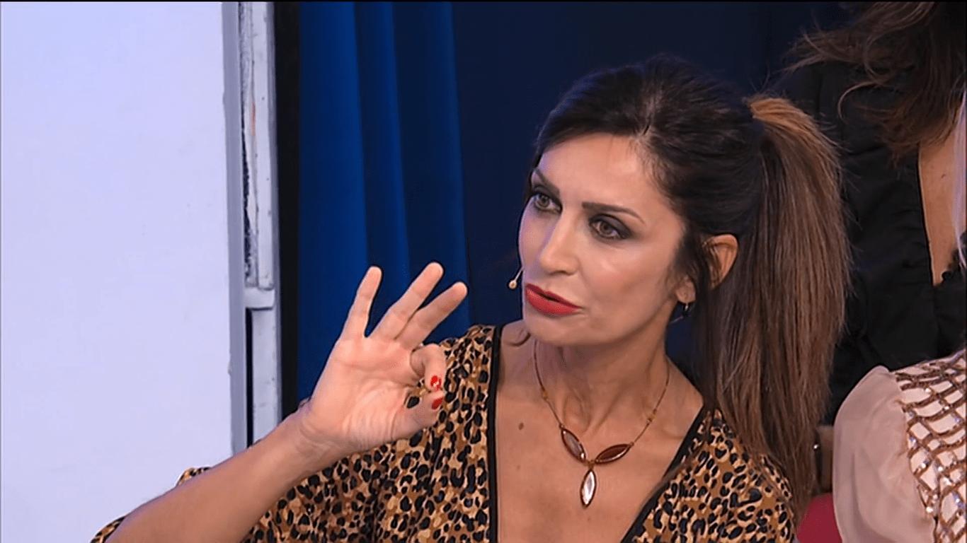 Uomini e Donne, lite tra Barbara De Santi e Nino Castanotto: 'Zitto che sei disoccupato'