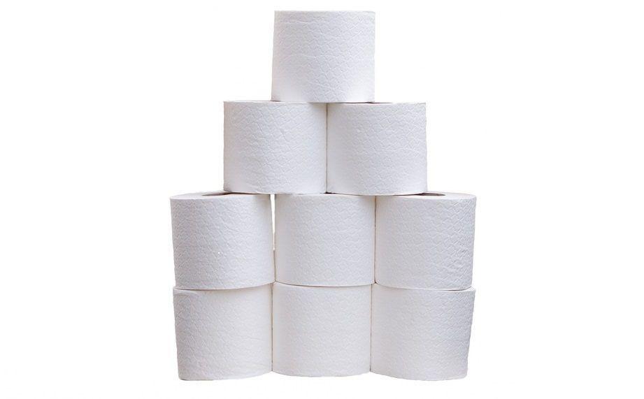 Prende 884 rotoli di carta igienica dal magazzino: vigile urbano processato