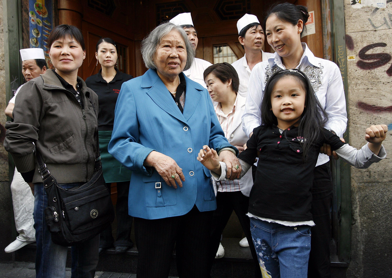 Milano, cinesi 'immortali': su 30mila residenti solo 13 decessi