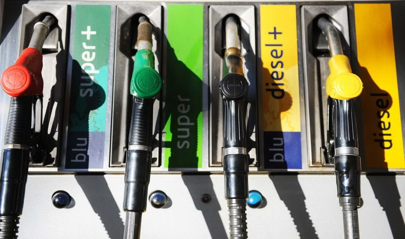 Carburanti: cambiano i nomi di benzina e diesel, ecco codici e simboli