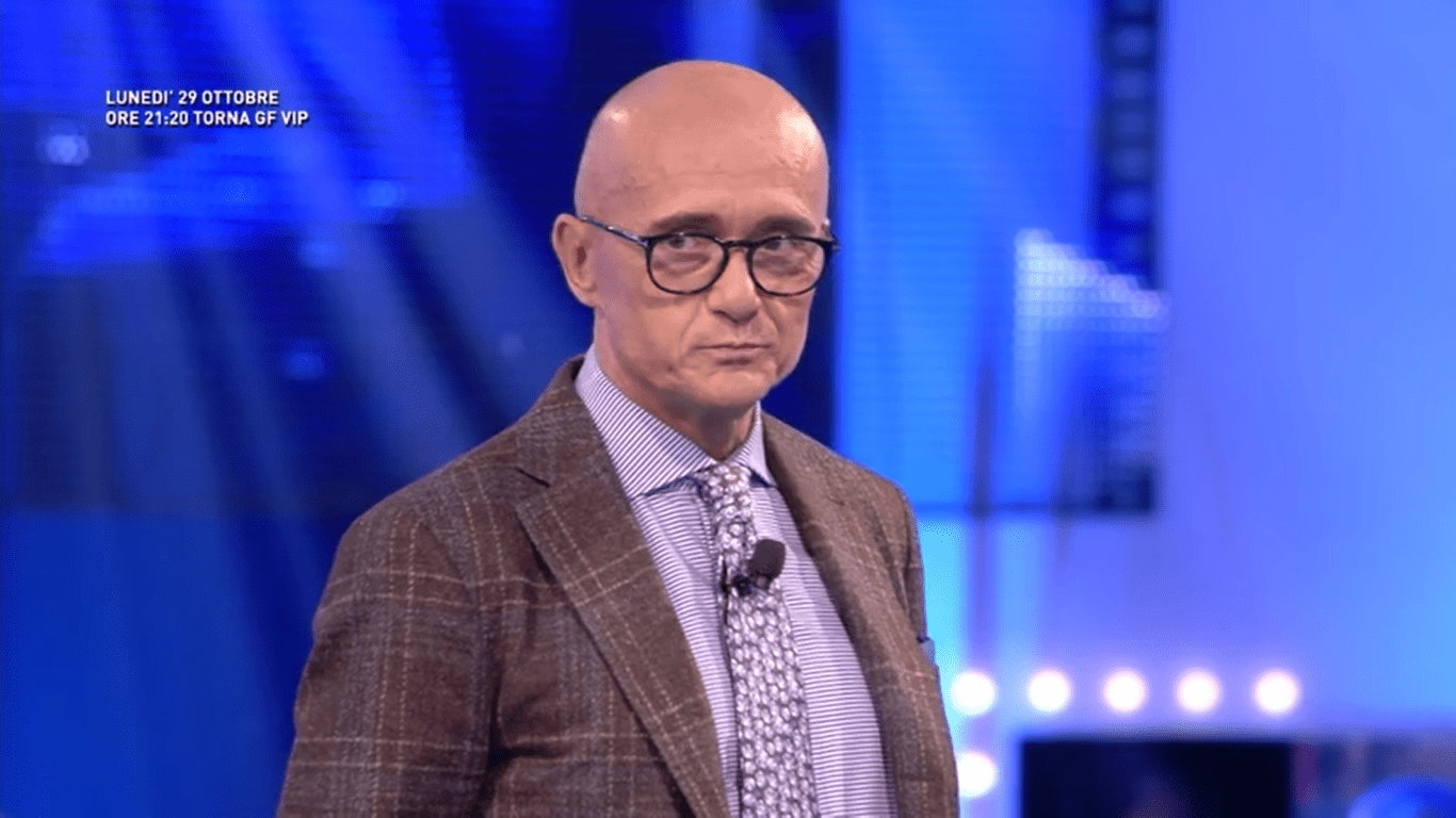 Lite tra Fabrizio Corona e Ilary Blasi, Alfonso Signorini: 'Mi hanno imposto il silenzio'