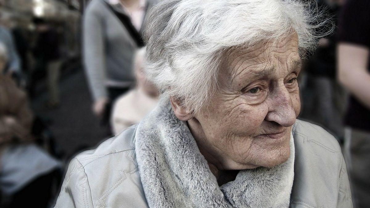 Alzheimer: i primi sintomi nascosti nei piccoli errori del linguaggio