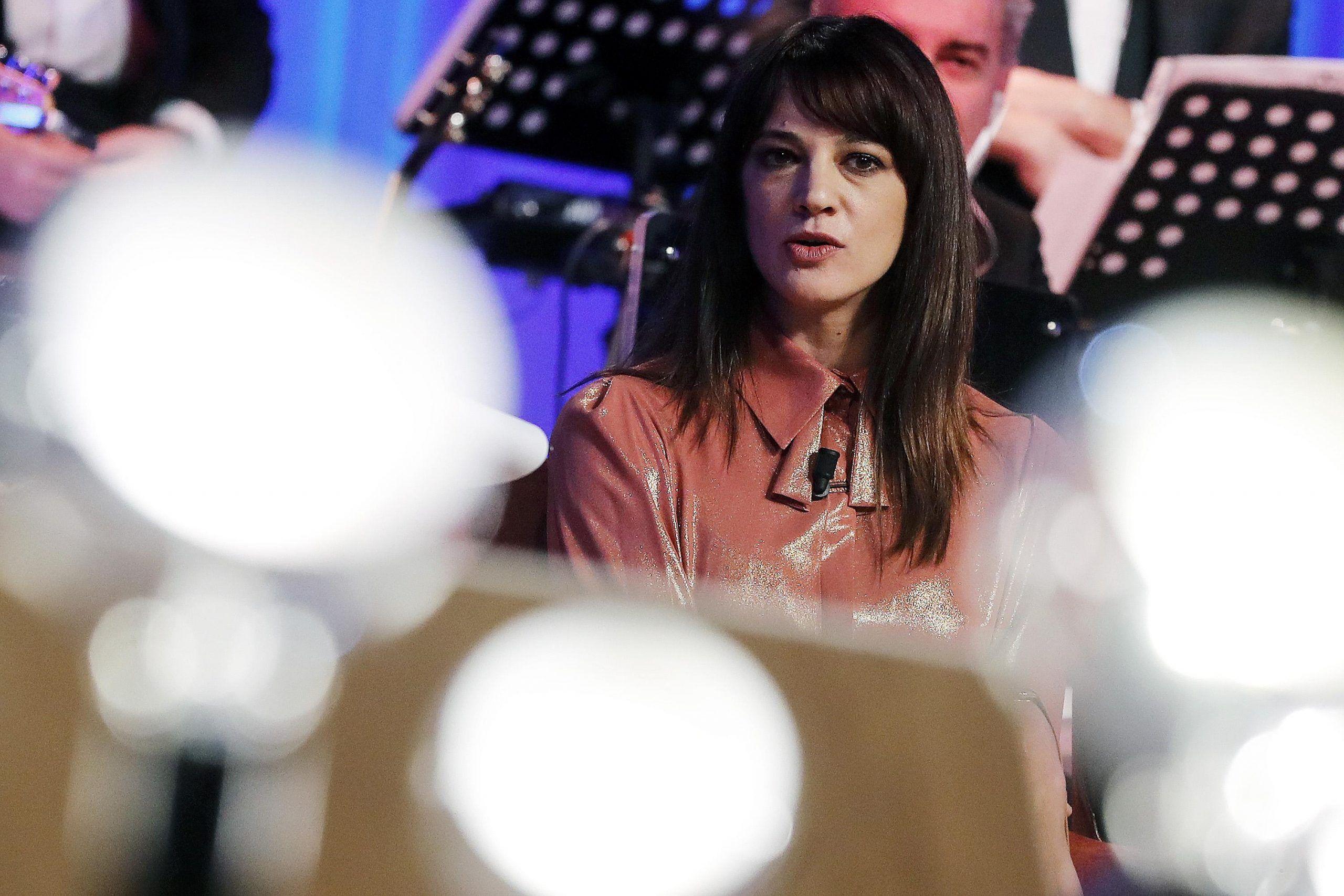 Asia Argento e Fabrizio Corona, la madre dell'attrice: 'Non accetto che mia figlia stia con quel signore'