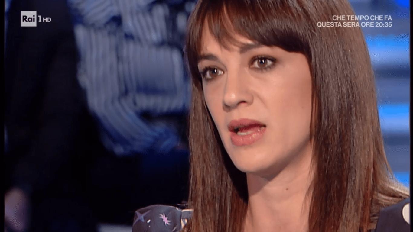 Asia Argento: 'Non lavoro e per campare racconto i fatti miei in tv'