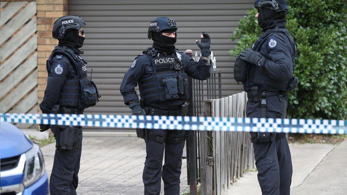 Bruxelles: uomo accoltella un poliziotto al grido di Allah Akbar