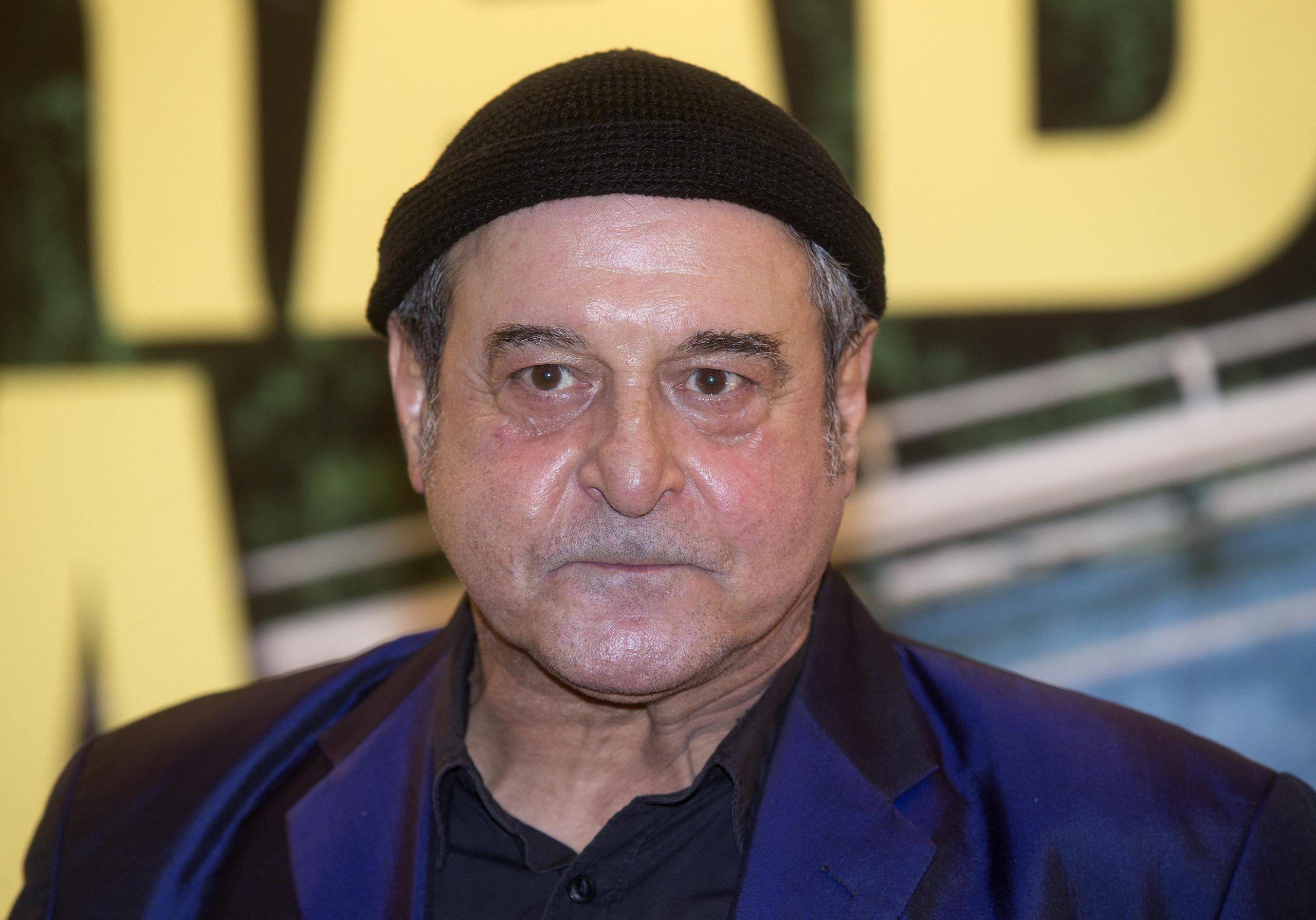 Ennio Fantastichini in ospedale, l'attore in rianimazione per grave polmonite
