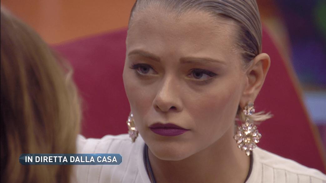 GF VIP 3, Giulia Provvedi tradita dal fidanzato? Gollini smentisce: 'Ti amo e ti aspetto'