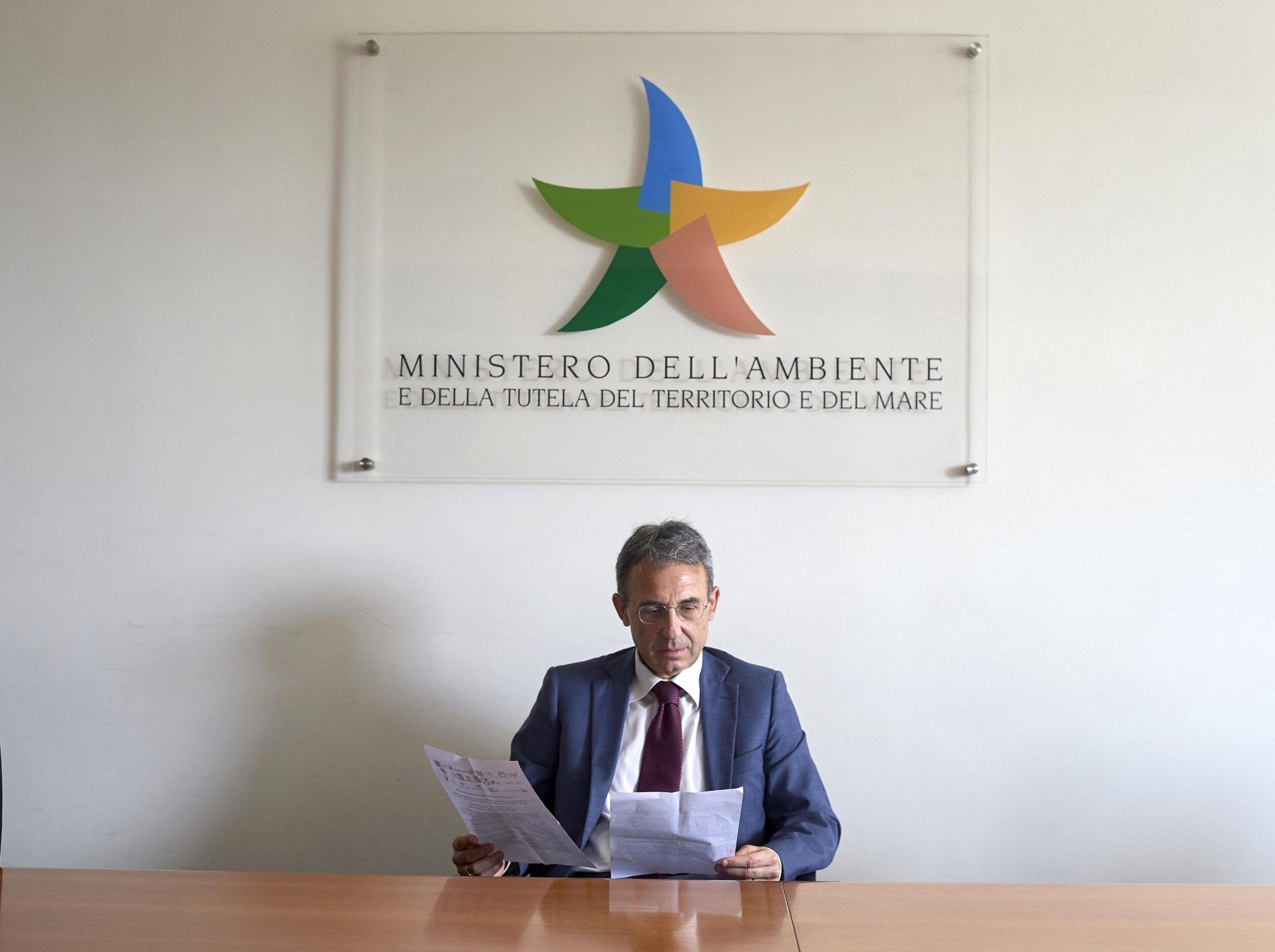 M5S offre lavoro: si cercano esperti per la commissione Via-Vas