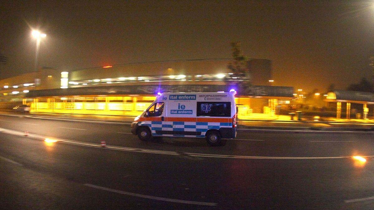Incidente a Milano: auto investe una ragazza e fugge. Incastrato pirata