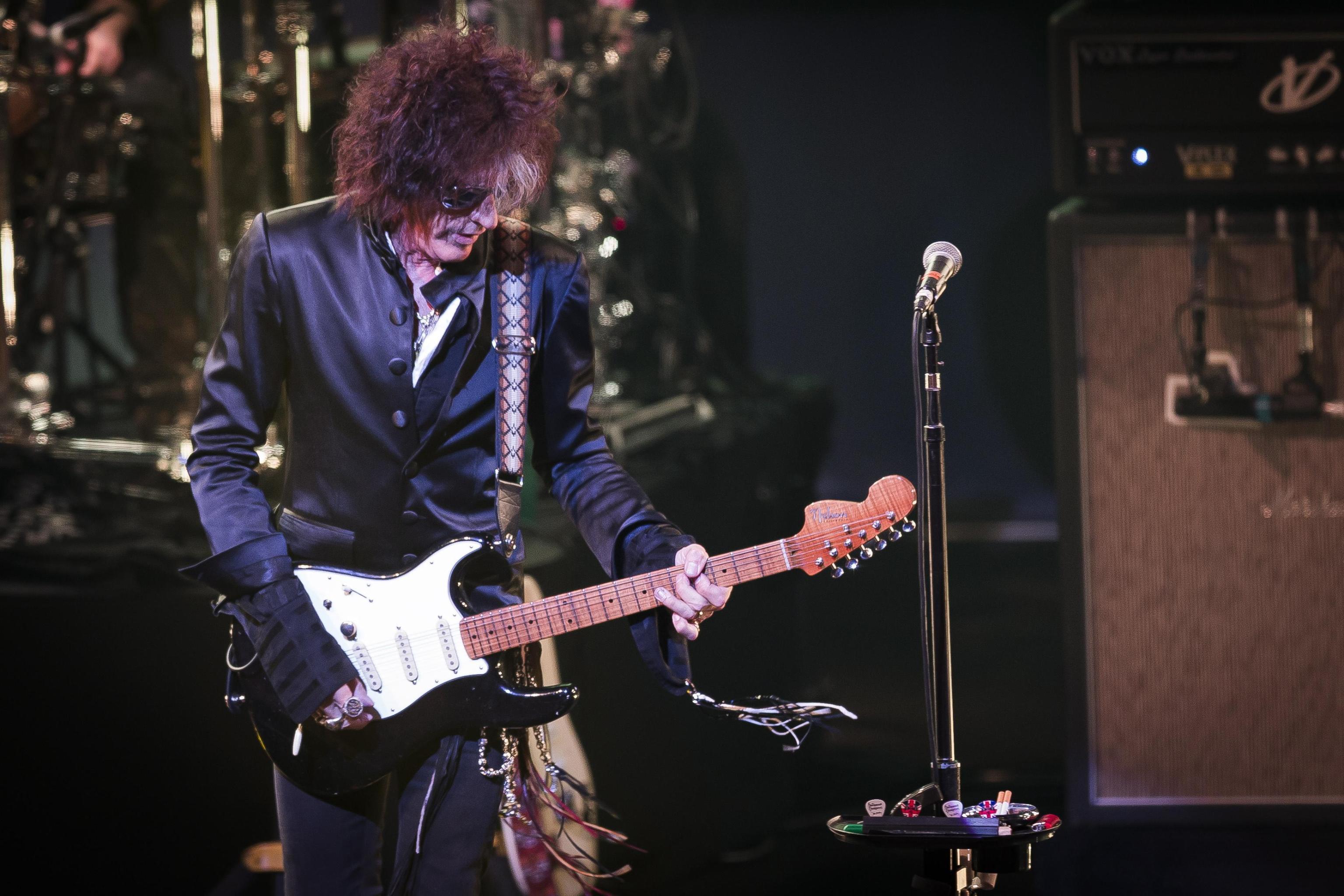 Aerosmith, malore per il chitarrista Joe Perry durante un concerto: ricoverato d'urgenza