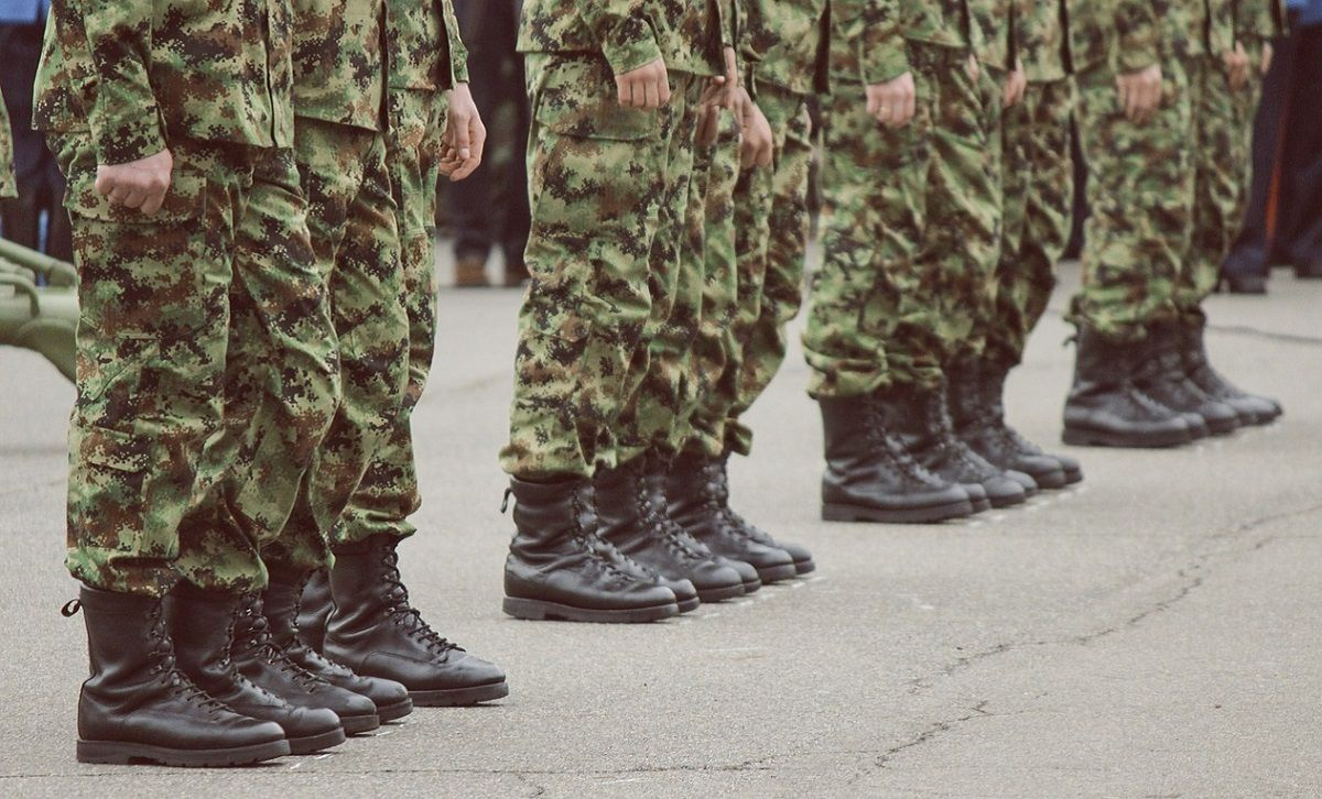 Militare in malattia da 10 anni lavorava in un bar: condannato a 4 anni