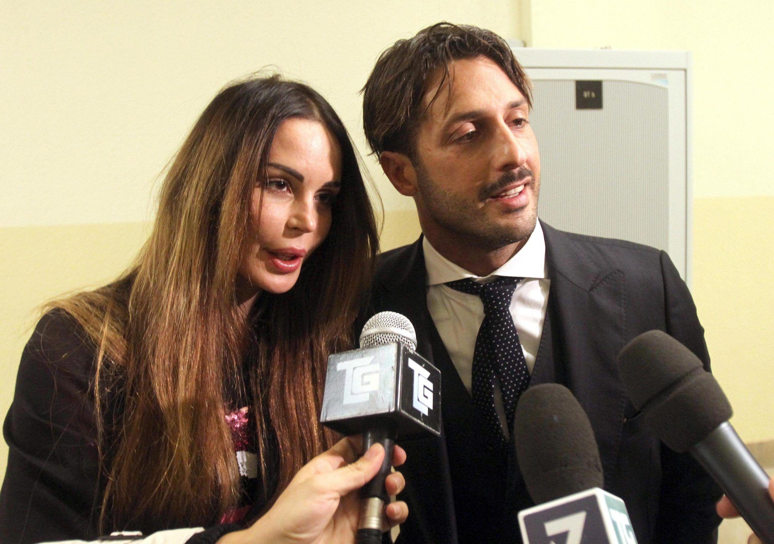 Fabrizio Corona e Nina Moric, accordo per l'affidamento del figlio: starà di più con la madre