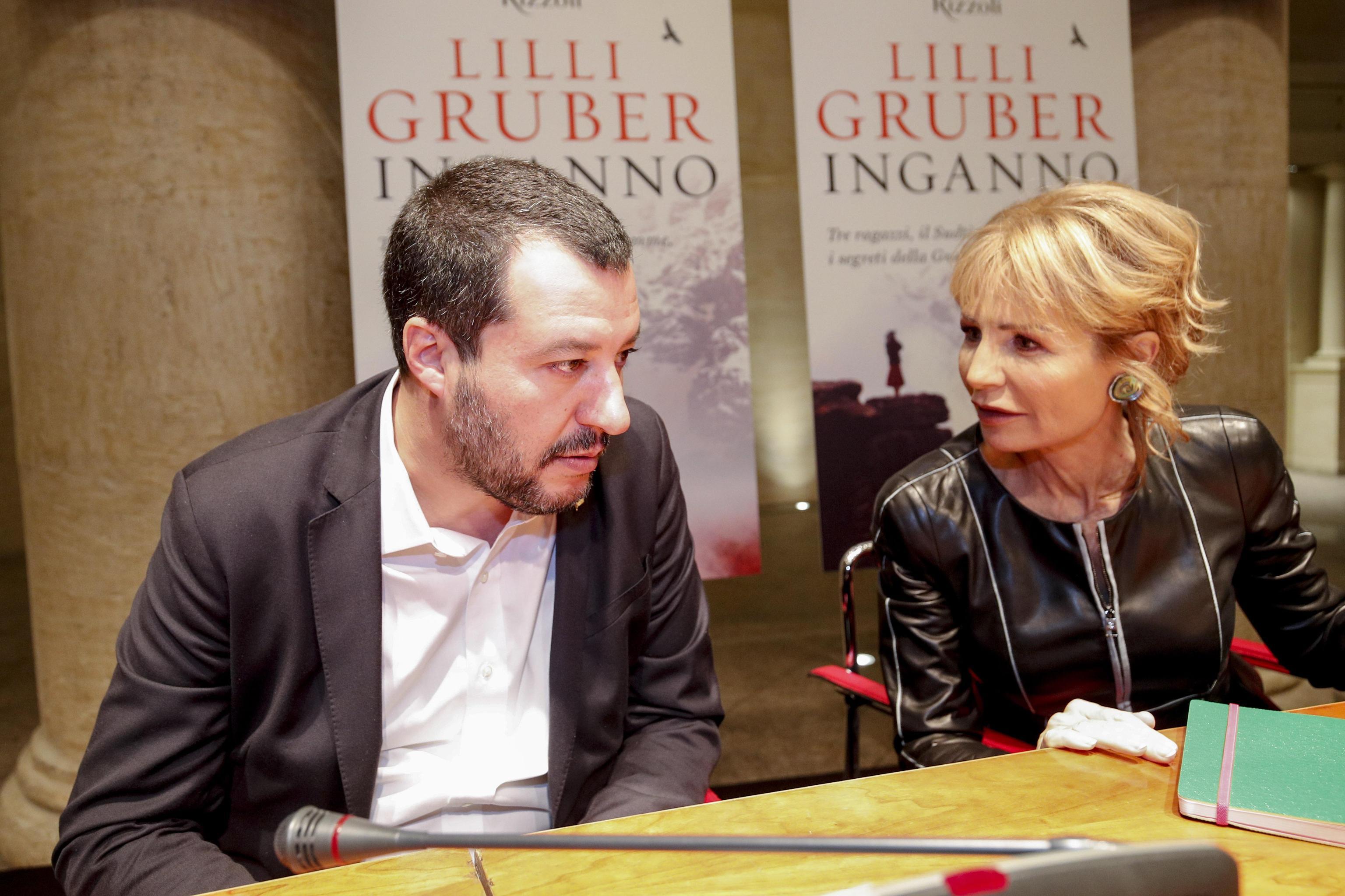 Matteo Salvini: 'Single? Sono fatti miei, al massimo lo dico a Barbara D'Urso'
