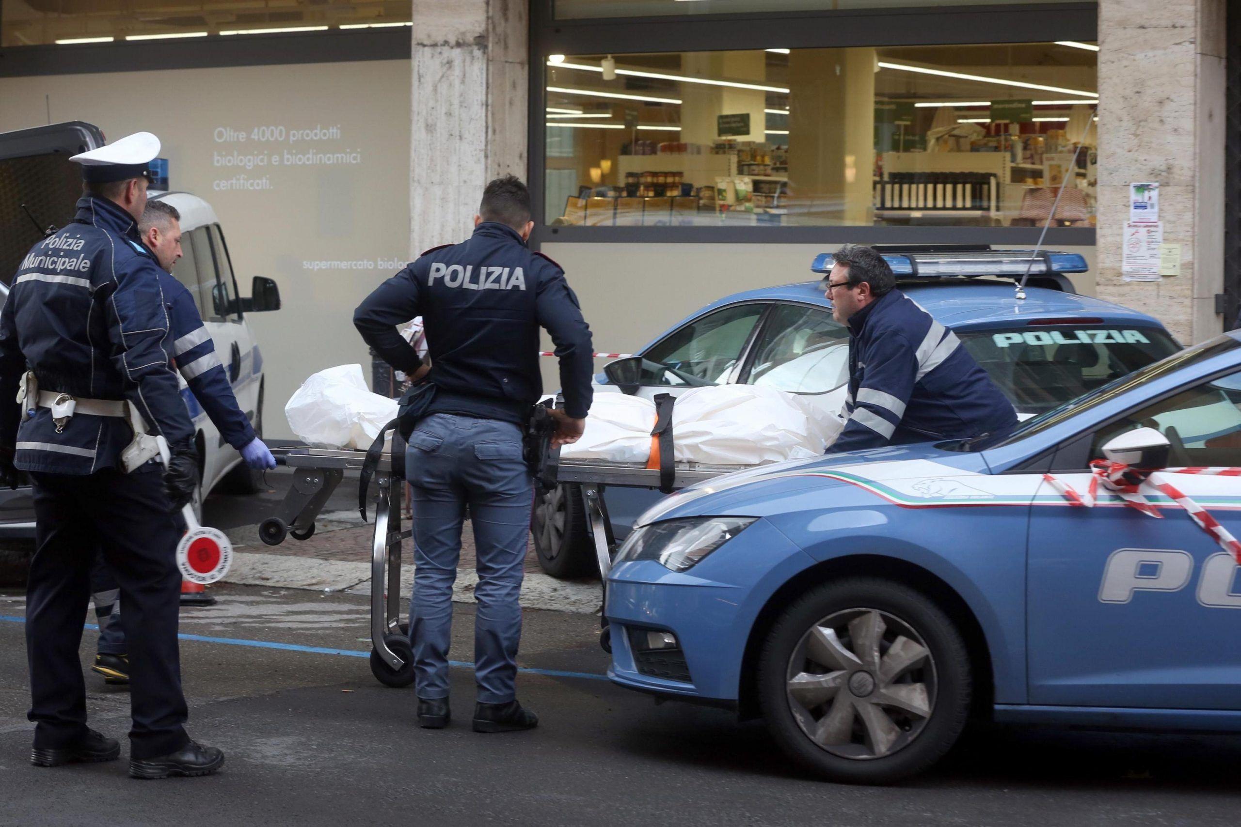 Bologna: uccide la moglie e si butta giù dal quarto piano