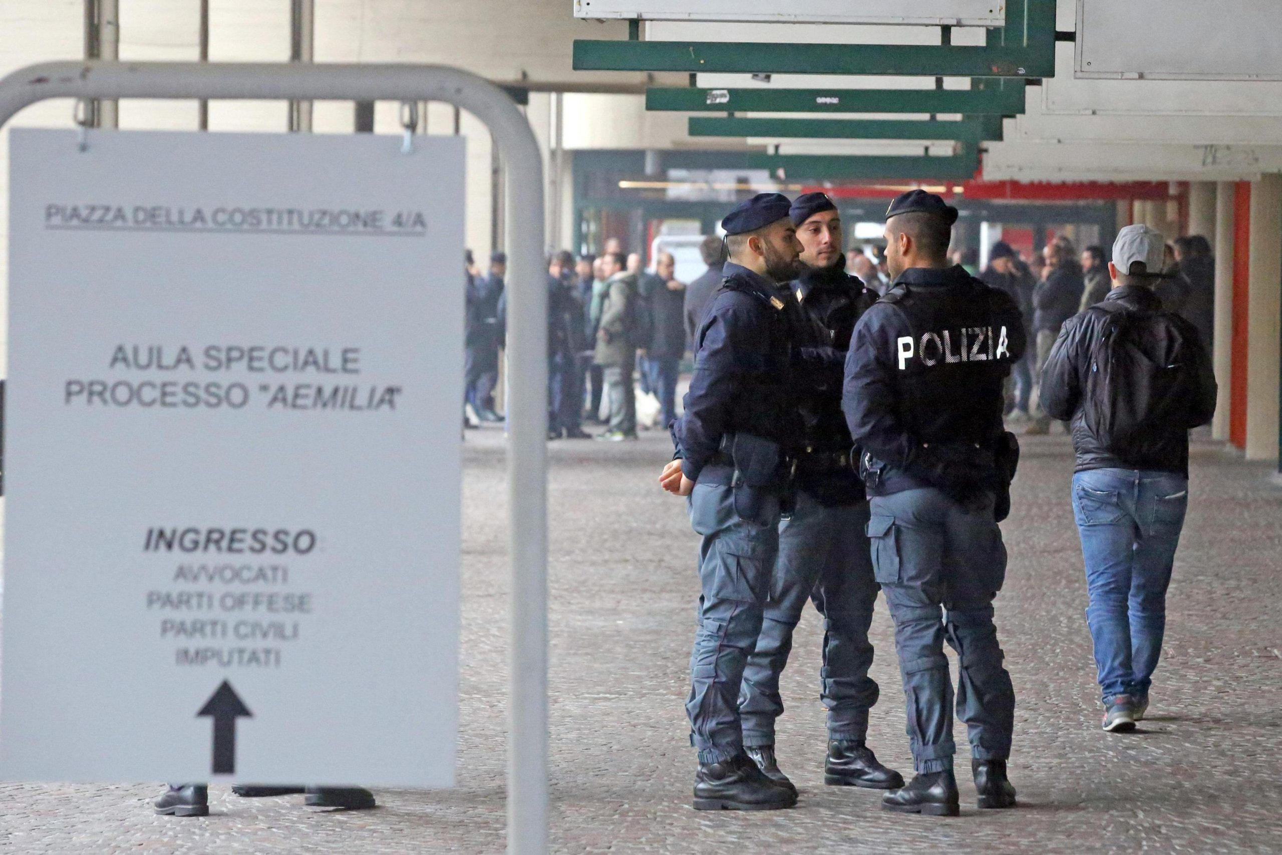Condannato al processo Aemilia prende ostaggi alle Poste: liberata una donna