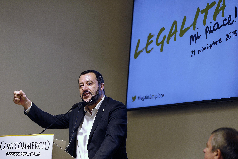 Manovra bocciata, Salvini: 'Dopo la lettera Ue aspetto anche quella di Babbo Natale'