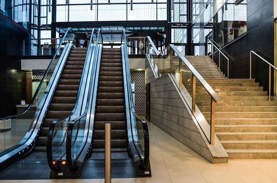 Scale mobili e ascensori: ecco il sistema che prevede i guasti
