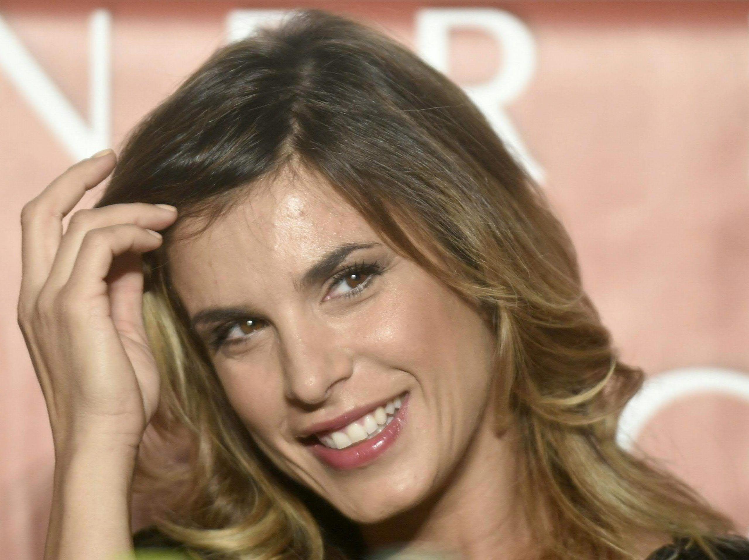 Elisabetta Canalis fa visita alla figlia di Costanza Caracciolo e Christian Vieri