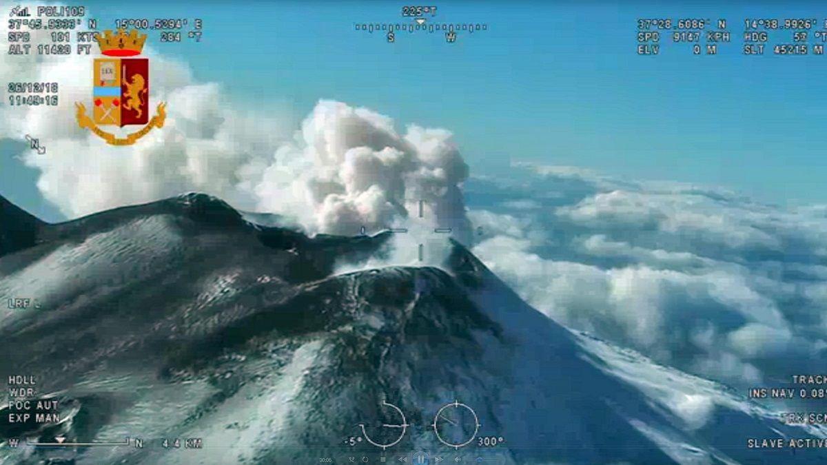 Terremoto dell'Etna, frattura in una strada: evacuate 10 famiglie