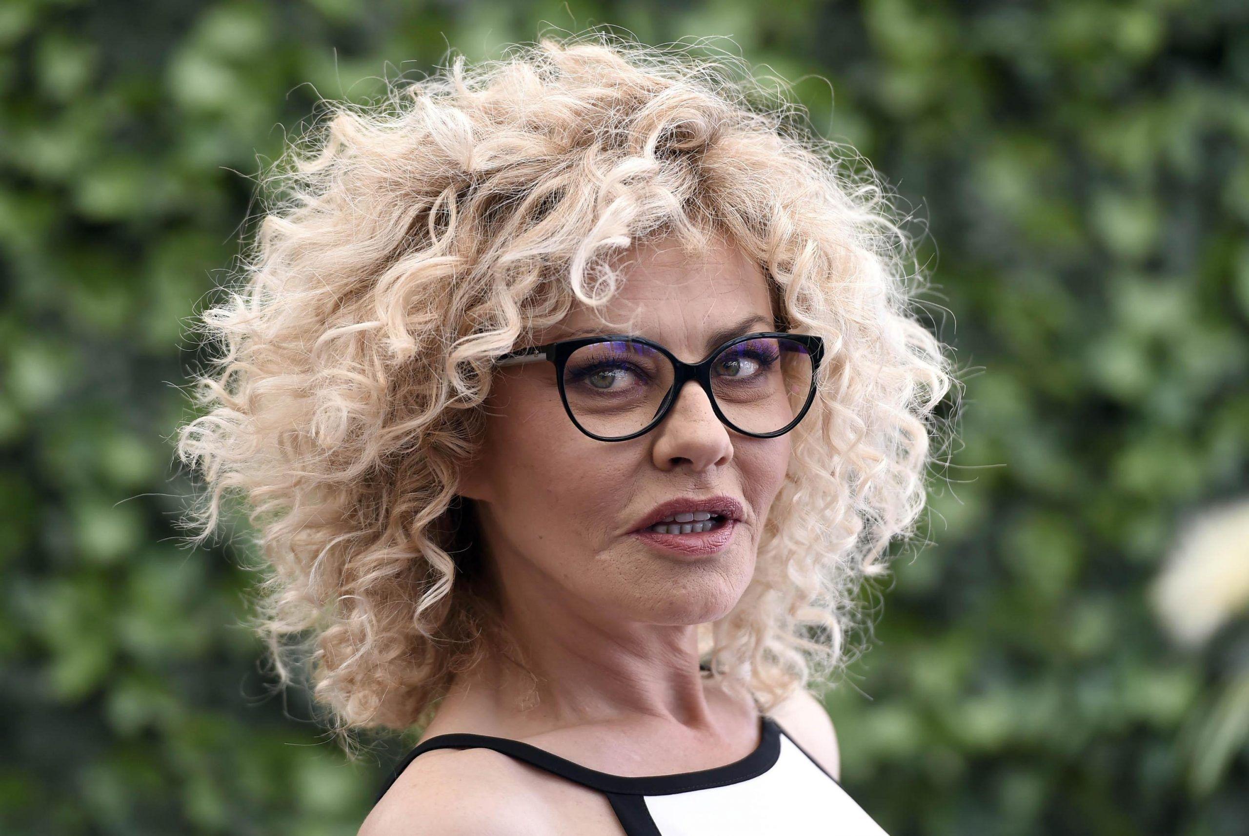 Eva Grimaldi su Imma Battaglia: 'Quando non sono con lei annuso il profumo della sua maglietta'