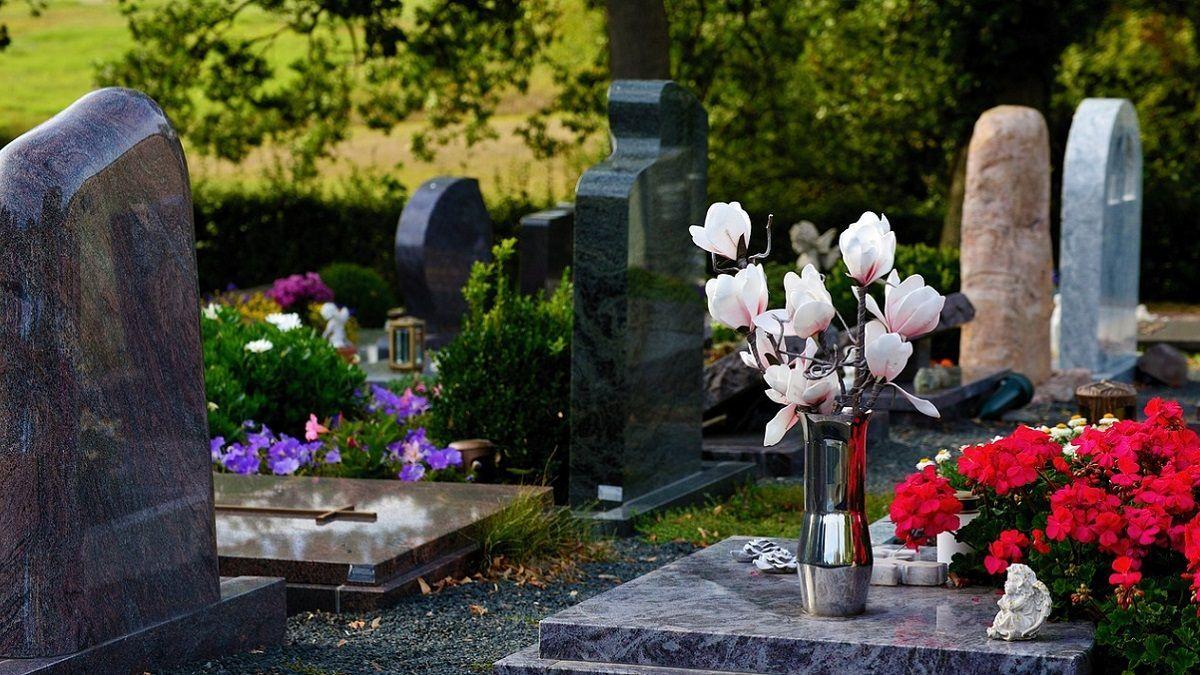 Mamma di 3 figli muore a 46 anni: aveva già deciso le musiche per il funerale