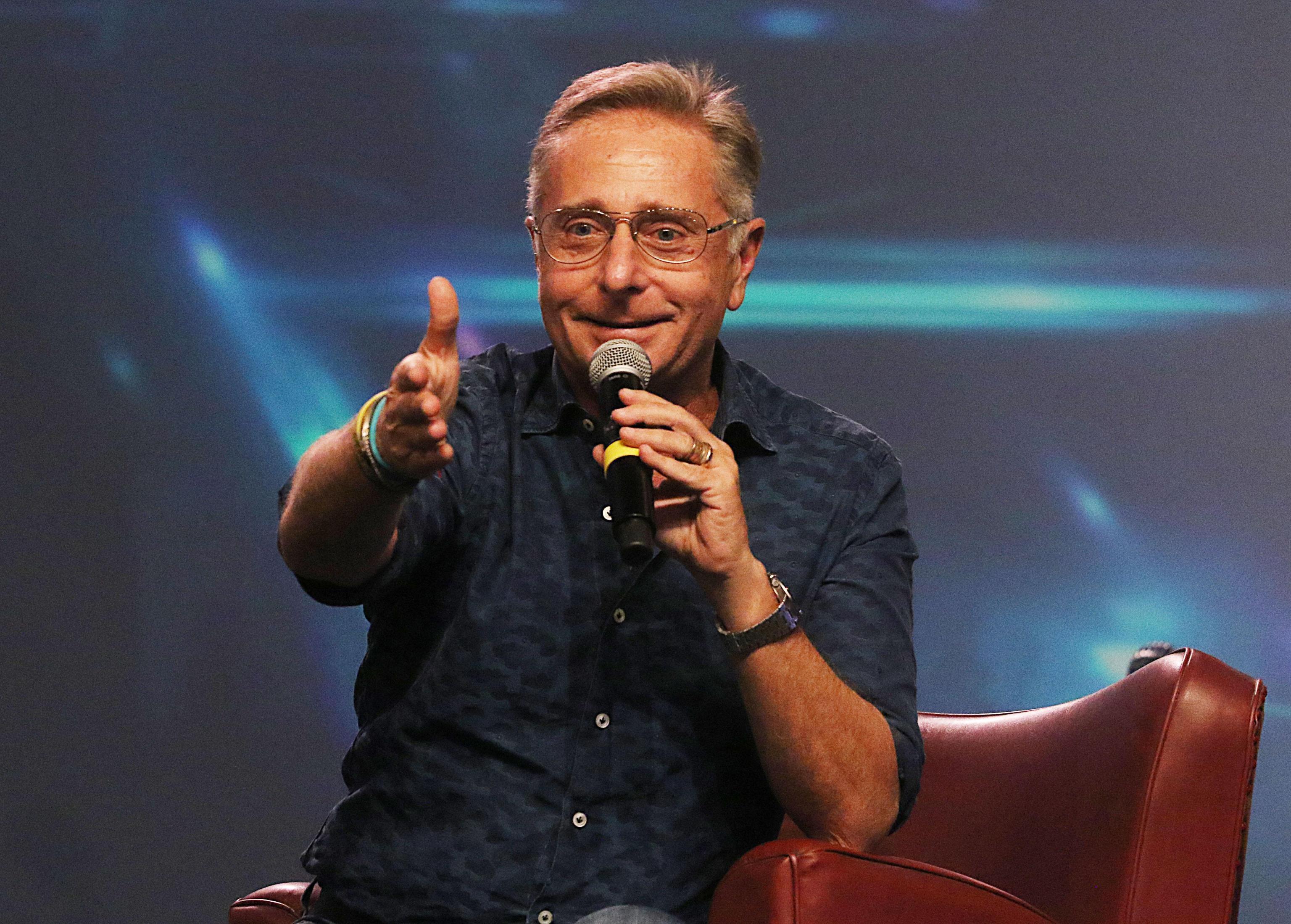 Paolo Bonolis, concerto privato di Ricky e Baby K per il party della figlia: è polemica