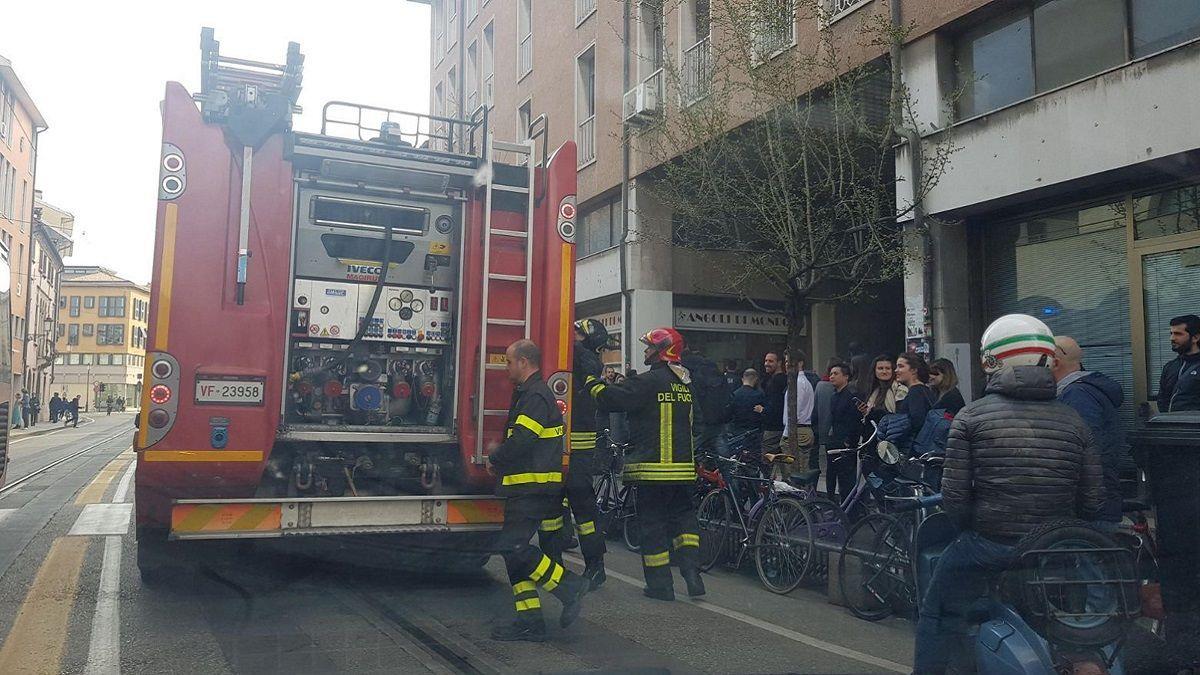 Vado Ligure: ragazza si dà fuoco in strada come fece il padre 5 anni prima