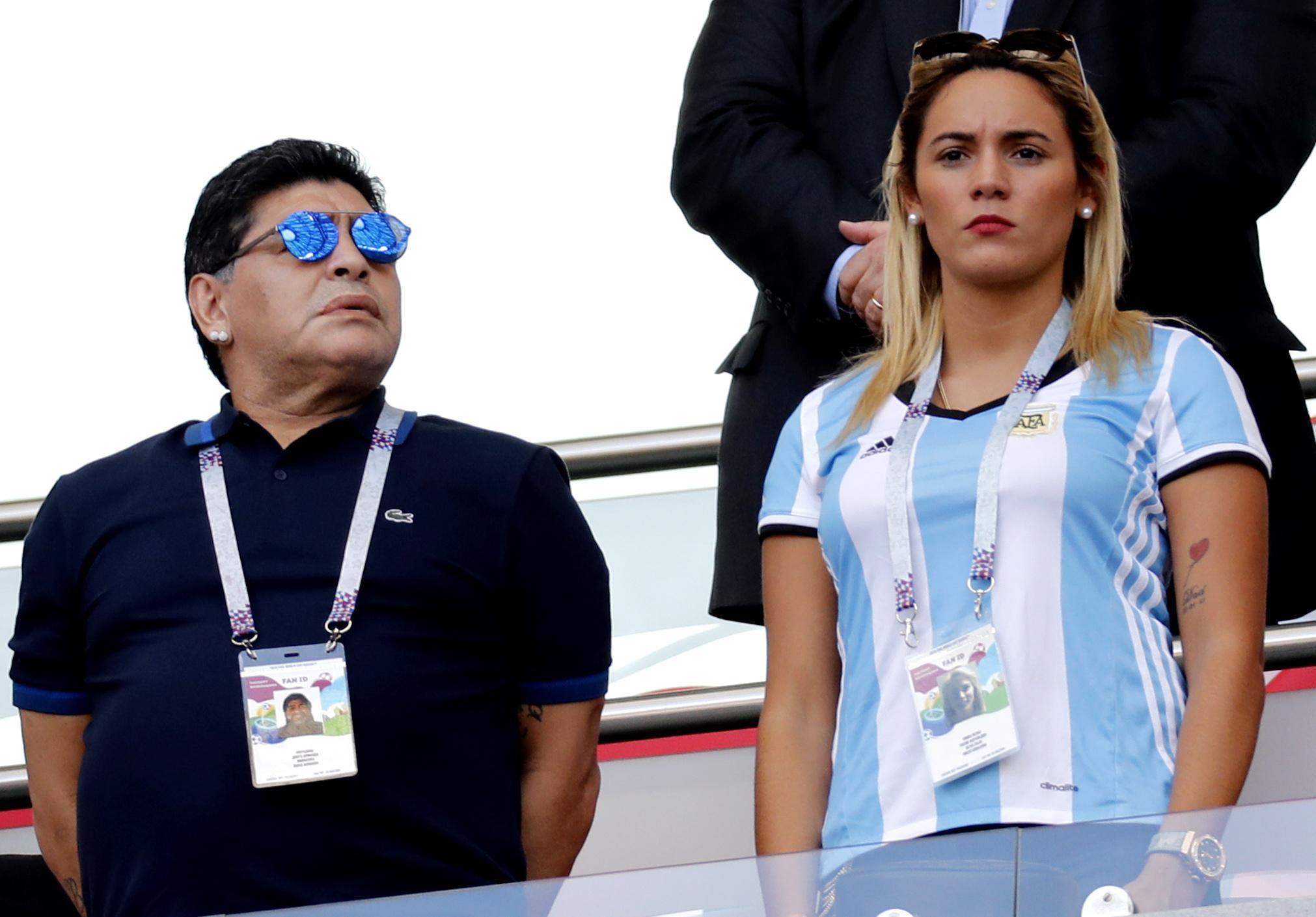 Diego Maradona cacciato di casa dalla sua compagna Rocio