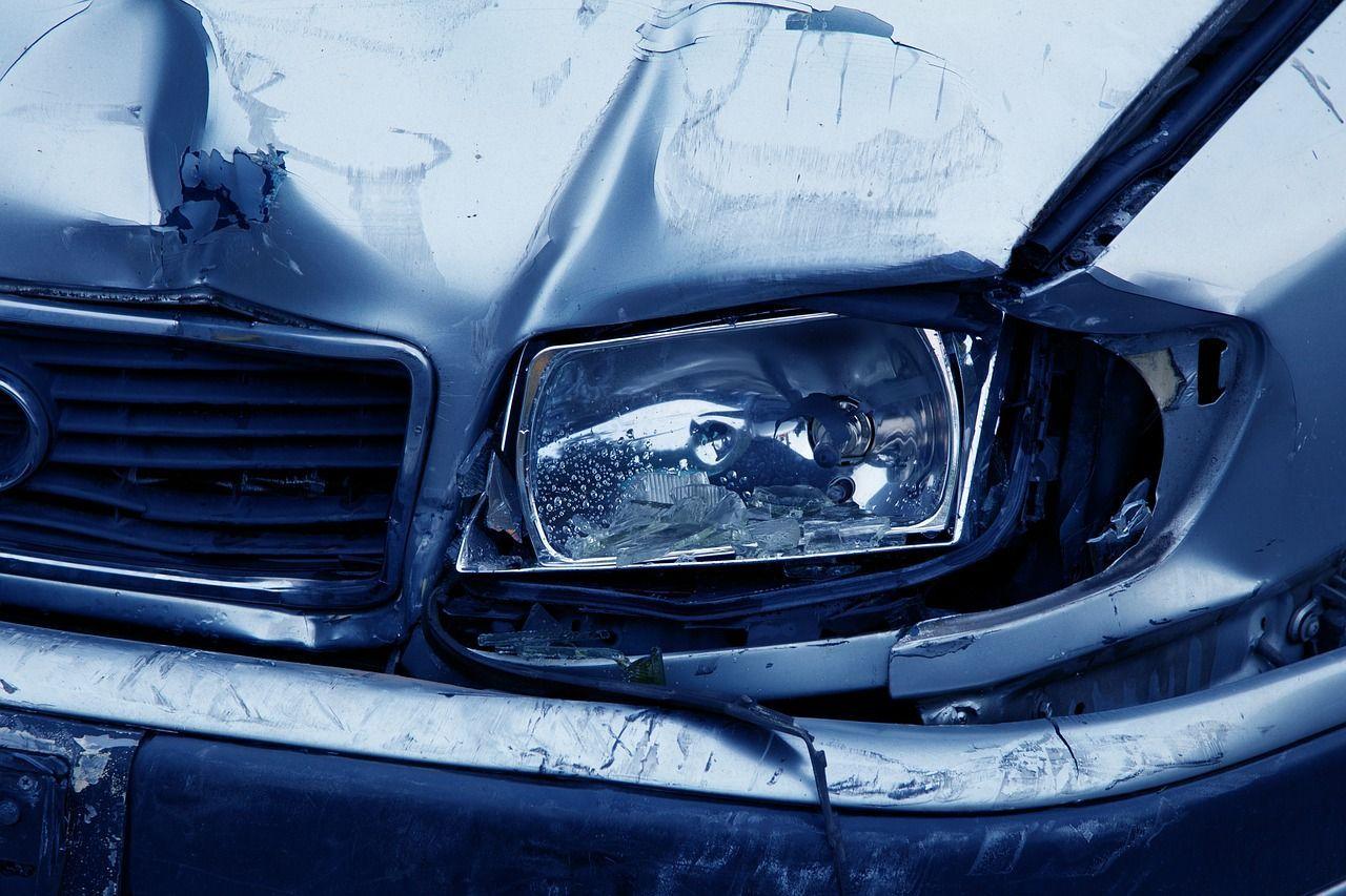 Auto contromano sulla Statale, sei morti nello scontro frontale