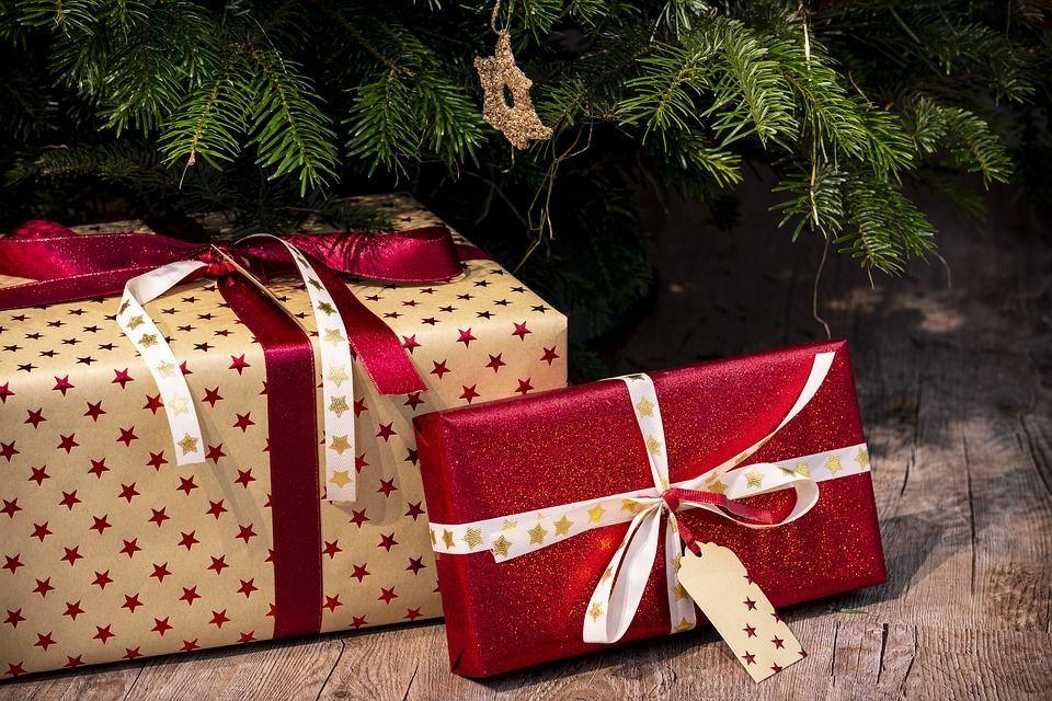 Non comprerà regali di Natale per i figli, ecco  perché