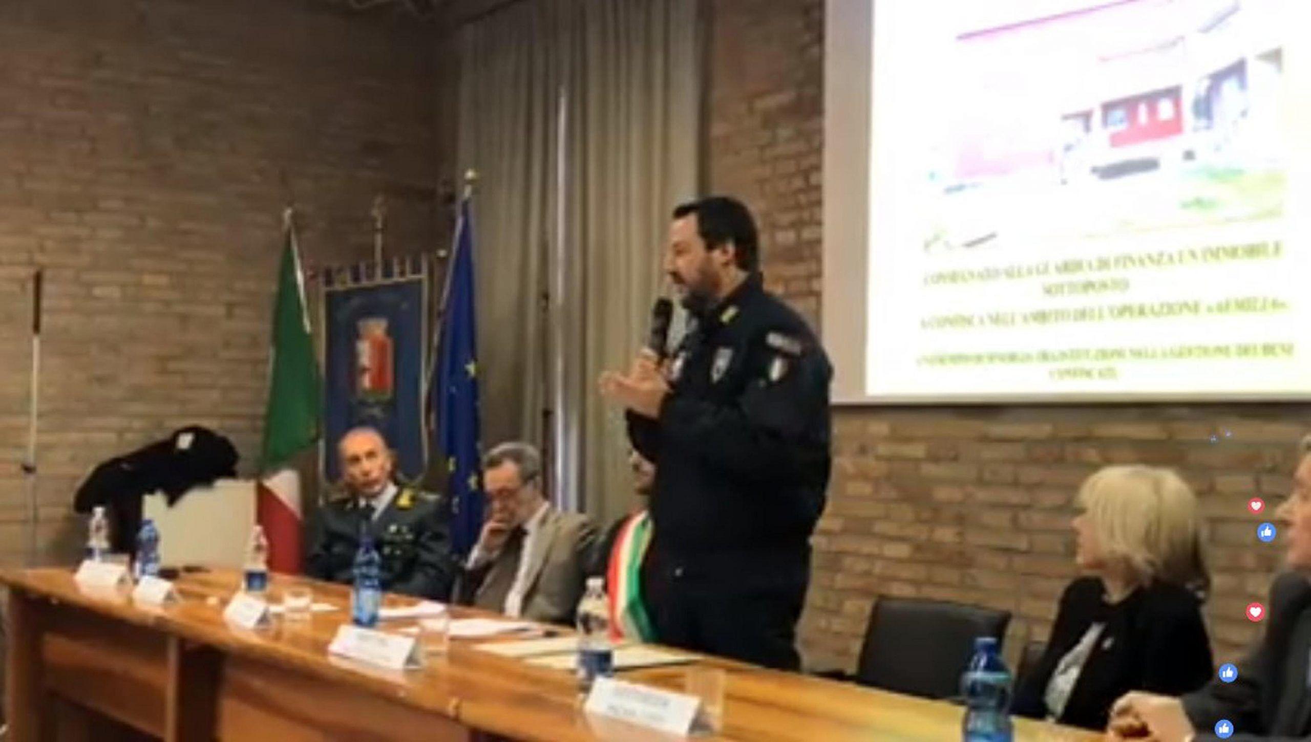 Salvini su mafia, camorra e 'ndrangheta: 'Cancellate tra qualche mese dall'Italia'