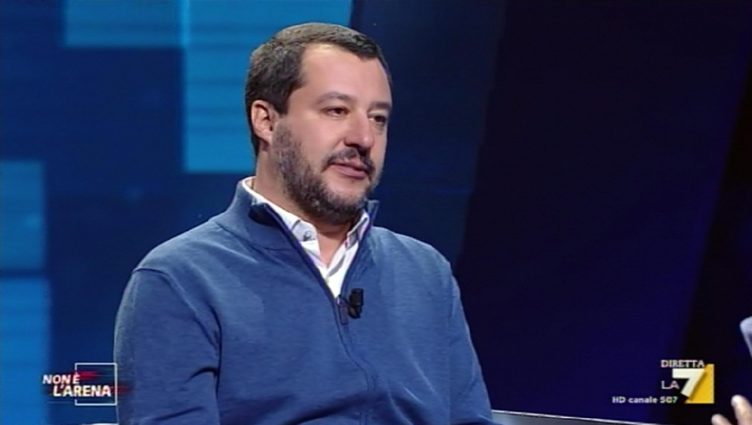 """Salvini: """"L'UE può mandare anche Padre Pio ma smonterò la Fornero"""""""