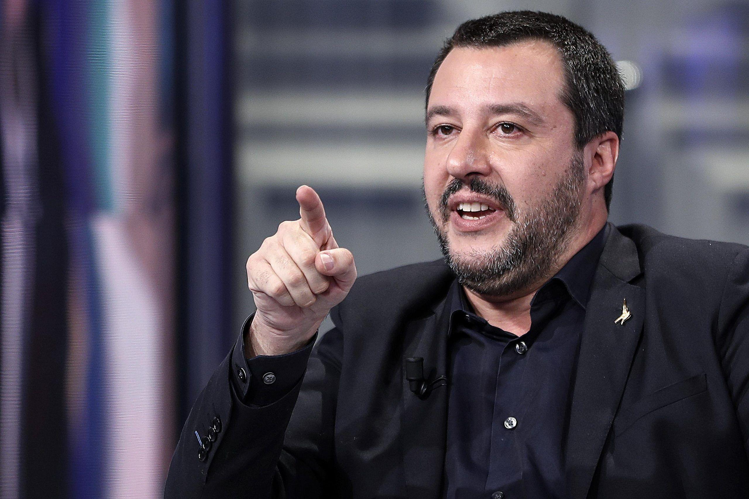 """Salvini contro Confindustria: """"Siete stati zitti per anni, ora lasciateci lavorare"""""""
