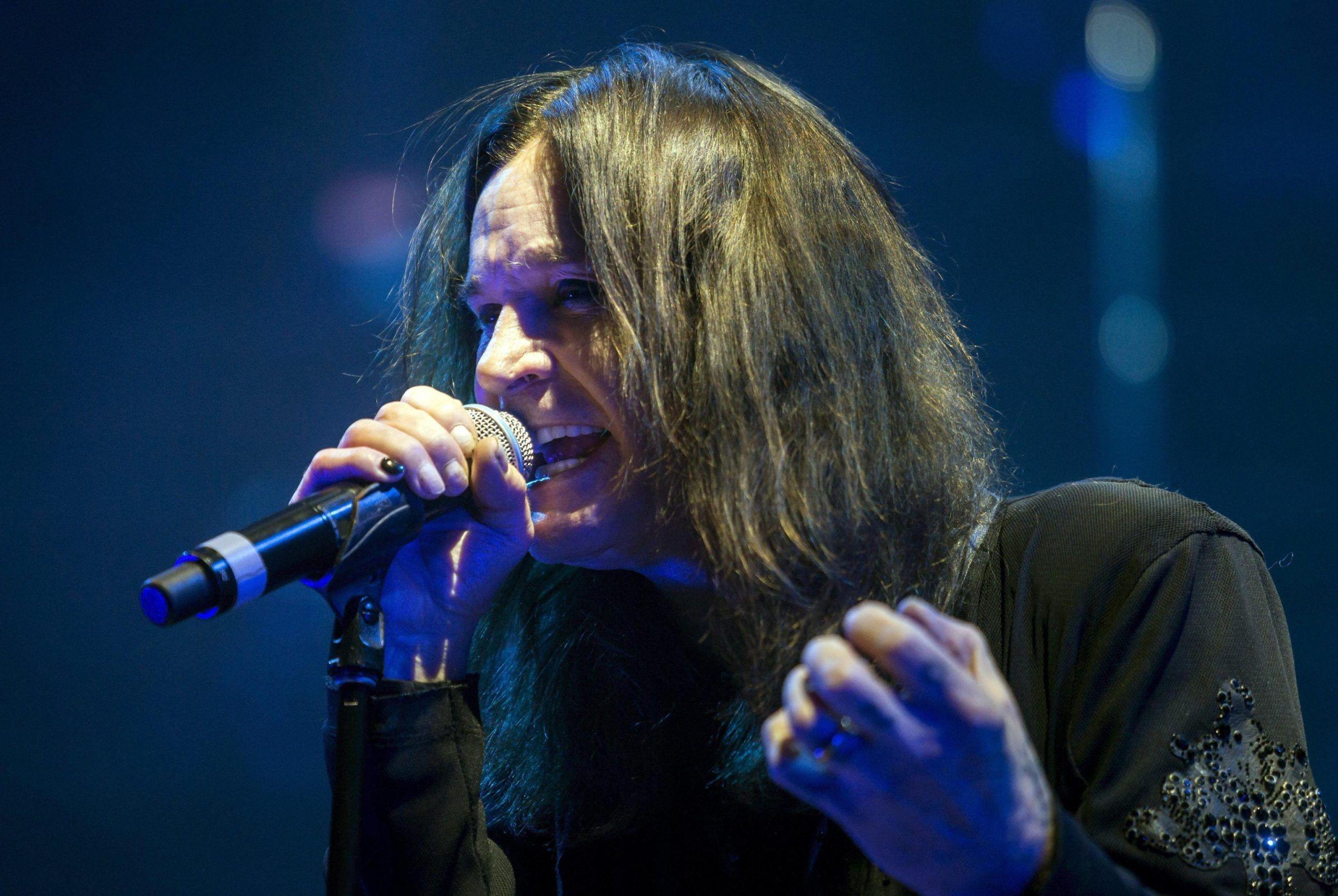 Ozzy Osbourne malato, rimandato il tour europeo compresa la data italiana: 'Sono devastato'