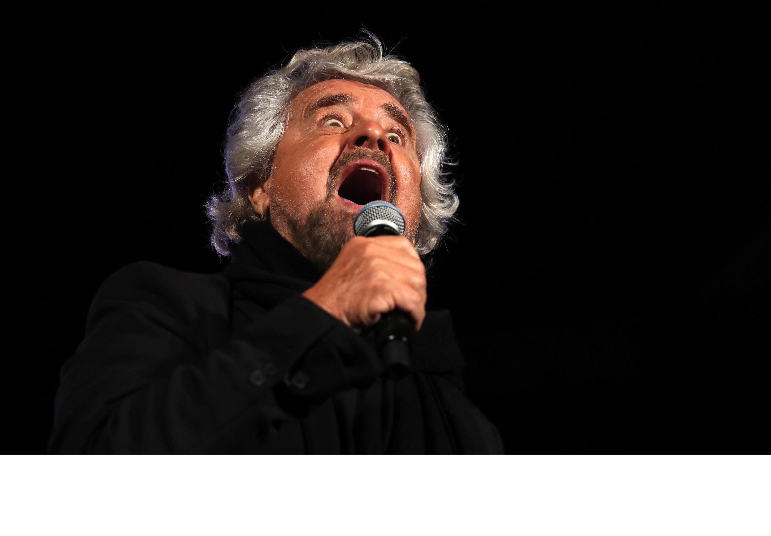 Beppe Grillo: 'Gli abruzzesi ci restituiscano 700mila euro'