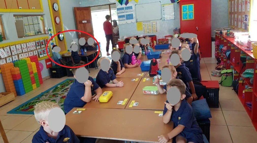 Bimbi 'divisi per razza' in classe: insegnante sospesa